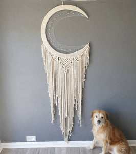 Mardoll Natural macrame moon dreamcatcher.