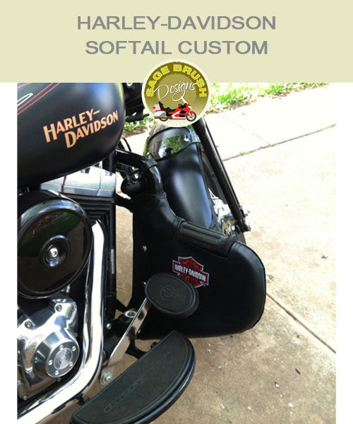 Softail Custom black engine guard with Harley-Davidson logo embroidery