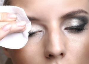 coconut oil as a natural make-up remover