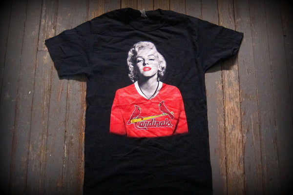 MARILYN MONROE - UP CLOSE-T- Shirt