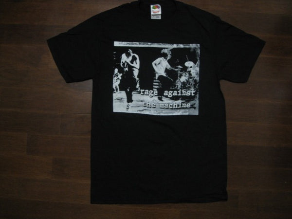 RAGE AGAINST THE MACHINE‏- Group Live On Stage- T-shirt