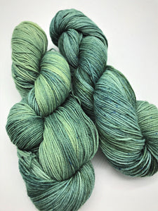 Seabreeze - Hand Dyed Fingering - 3 PLY - 80/20 SW Merino/ Nylon in blue and green for crochet and knitting, toques, shawls, sock yarn