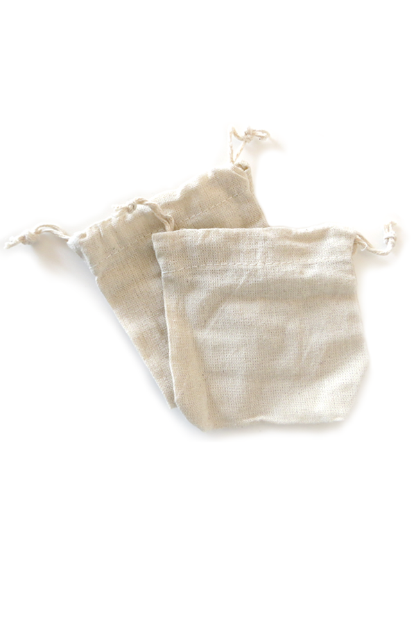 Includes 2 cotton soapnut washing pouches