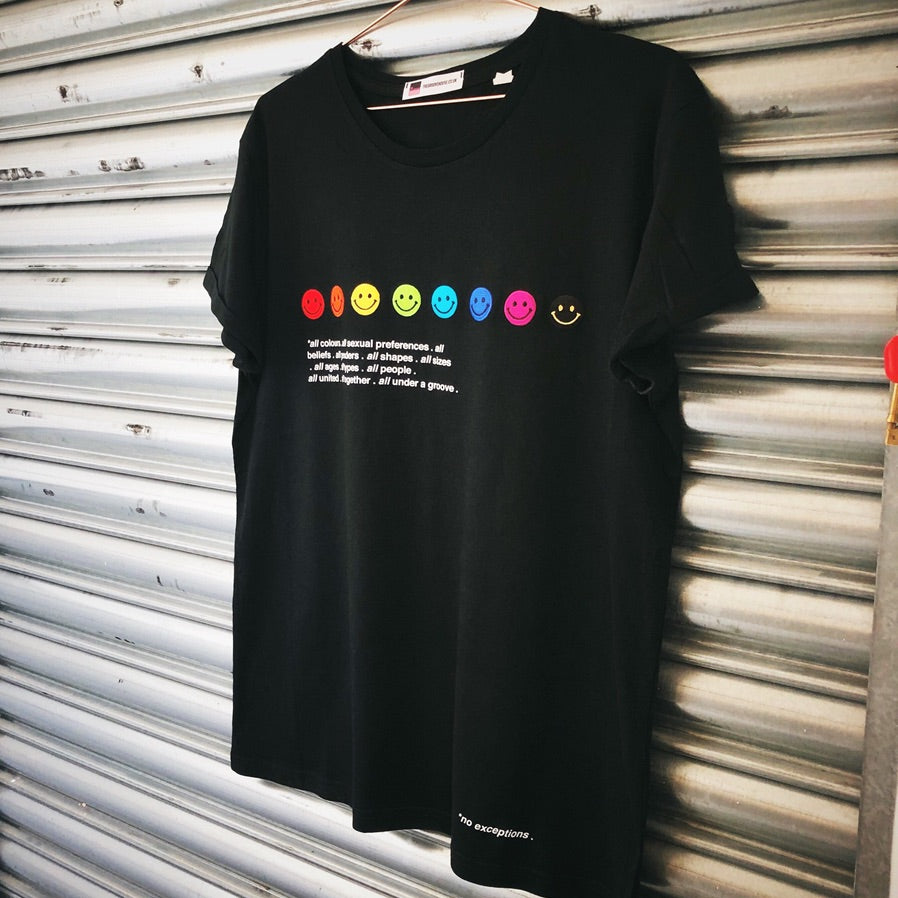 Pride rainbow smiley face T shirt | The Groovehouse