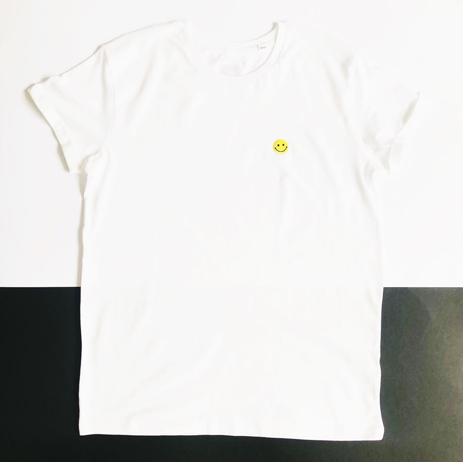 white smiley face T shirt | The Groovehouse