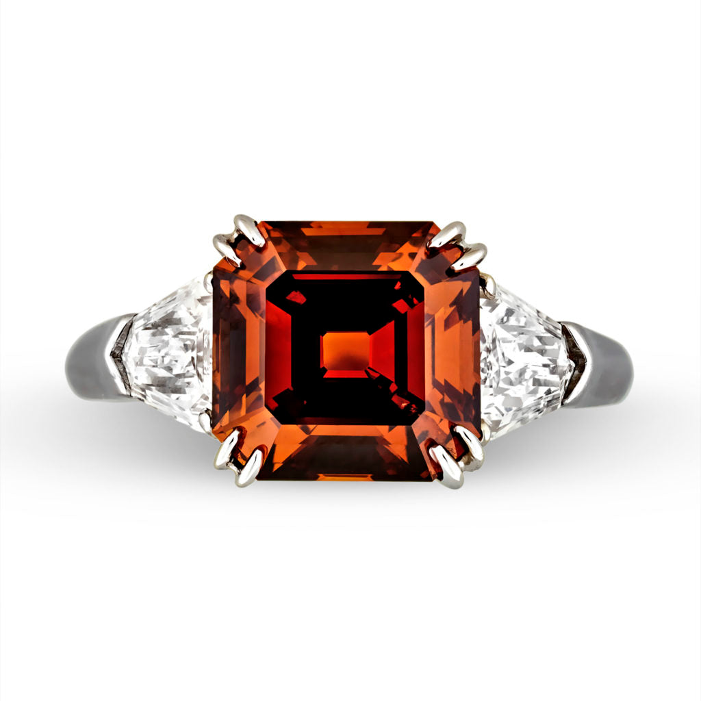 An orange diamond that has the presence of a color modifier, a secondary color: brown