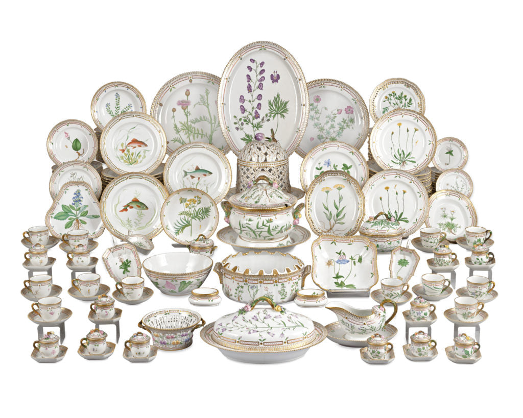 This incredible 143-piece Flora Danica service for 12 also features native fish with their scientific names listed underneath.