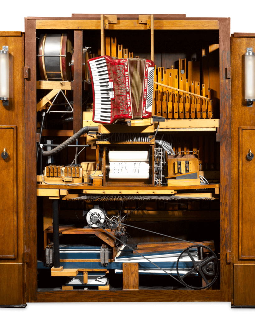 The orchestrion operated using paper rolls, like the earlier player pianos, to direct the instruments within. The mechanism contained a powerful motor, pipes and vacuum play the instruments, creating a breathtaking level of sound.