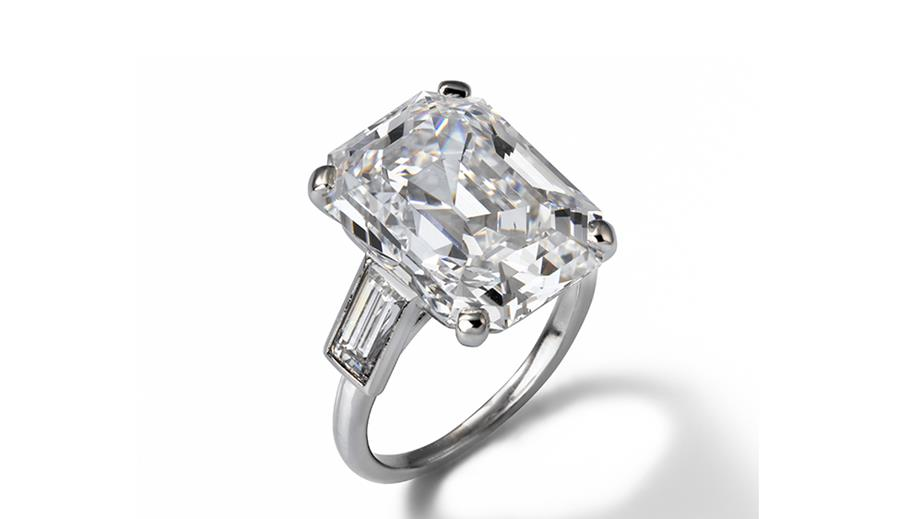 Prince Rainier III reconsidered his first choice of engagement ring and gave his future princess this striking Cartier creation.