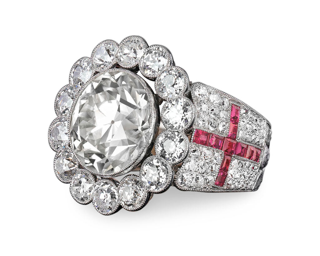 Pope Paul VI's ring, centered by a stunning 13.5-carat Old European cut diamond.