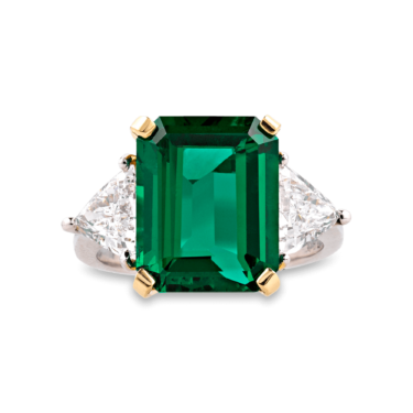 This stunning 6.02 carat emerald is AGL certified to have no treatments to enhance its color or clarity. Many gems are treated with heat to intensify the color of the stone, or oil to fill cracks and cavities.