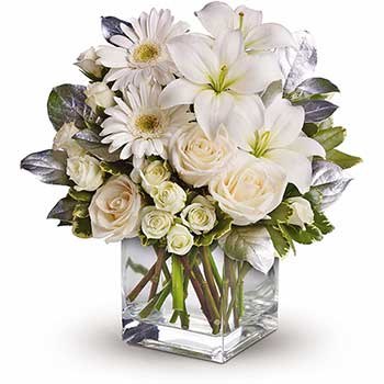 Bear White Beauty Vase of Flowers