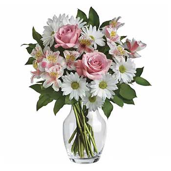 Send pretty special day flowers for mum