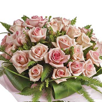 Send luxurious pastel pink bouquet of roses