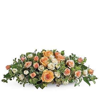 Order table of love display of pastel roses