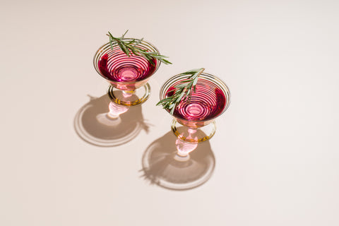 Best premium pink gin cocktail recipe, best pink gin and tonic, best gin and tonic recipe, pink gin stays pink