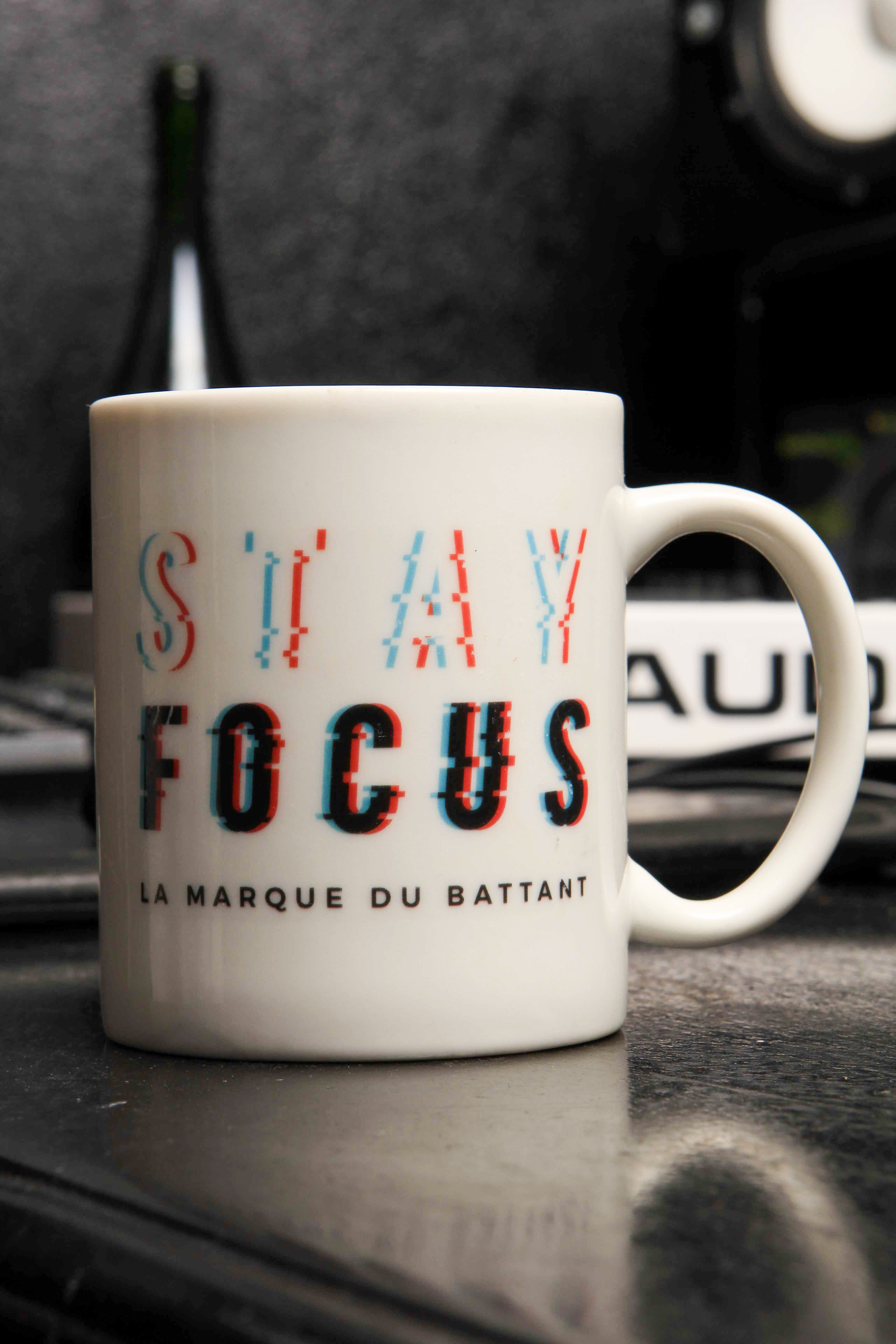 Tasse « STAY FOCUS » - Laety's Beauty Cosmetics