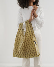 Load image into Gallery viewer, BAGGU Reusable Tote - BB Print