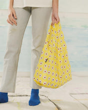 Load image into Gallery viewer, BAGGU Reusable Tote - Yellow Daisy