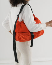 Load image into Gallery viewer, BAGGU Sport Messenger Bag - Tomato