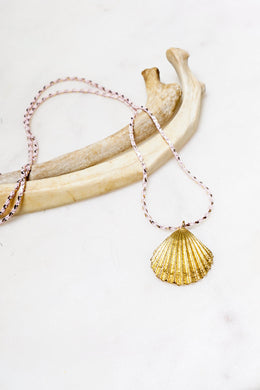 Sea Shell Pendant Necklace