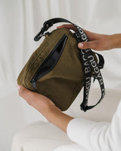 Load image into Gallery viewer, BAGGU Sport Crossbody - Kelp