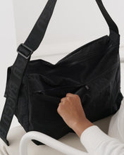 Load image into Gallery viewer, BAGGU Sport Messenger Bag - Black