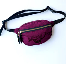 Load image into Gallery viewer, Oval Fanny Pack