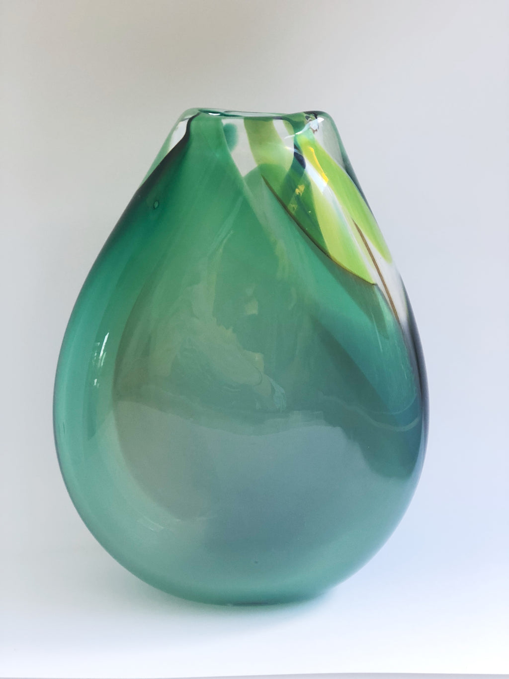 Tear drop vase marbled green mix