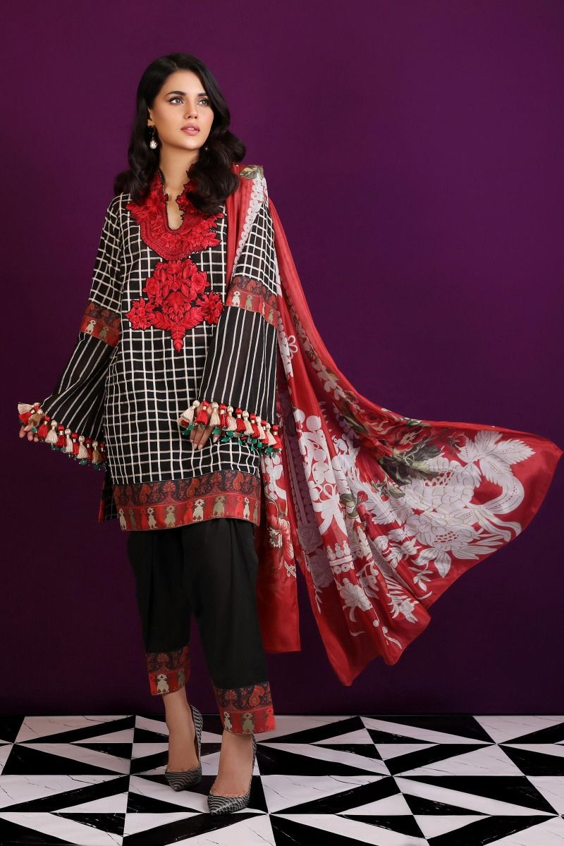 01 (Sana Safinaz Pre-Fall'19 Collection)