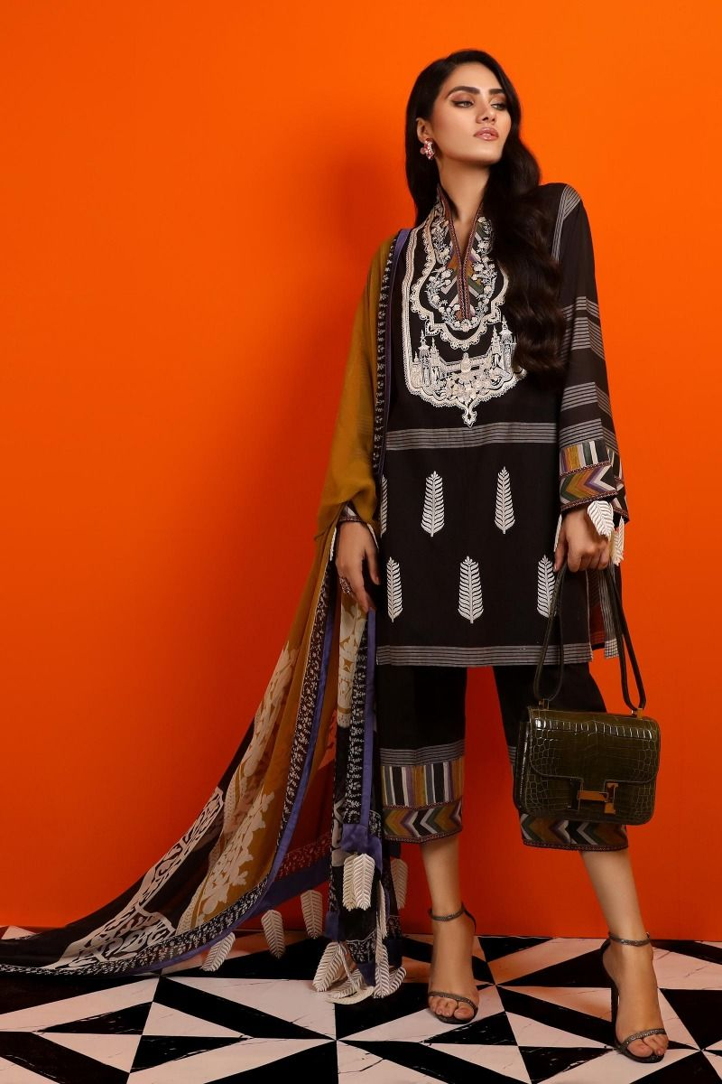 02 (Sana Safinaz Pre-Fall'19 Collection)