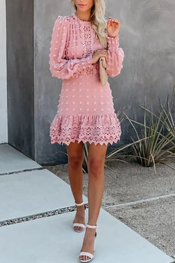 Women's Sweet Round Neck Bubble Sleeves Ruched Hem Lace Dress