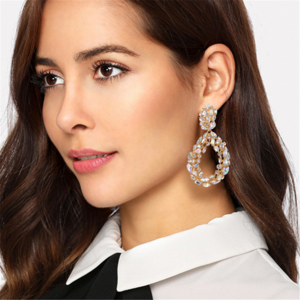 Full-drilled hollow ring with drop-shaped earrings