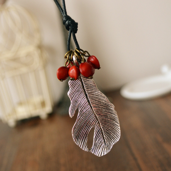 Simple silver red bean big leaf long necklace
