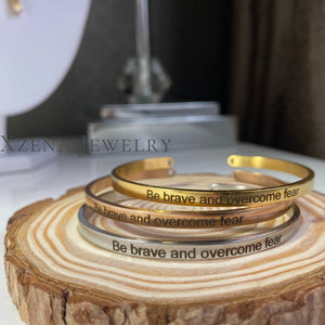 Be brave and overcome fear Armband Gold - Xzena