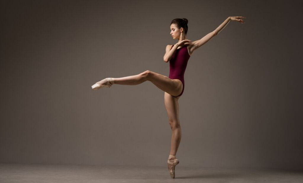 Ballet dancer Maria Khoreva dancing en pointe wearing BLOCH leotard and Pointe Shoes