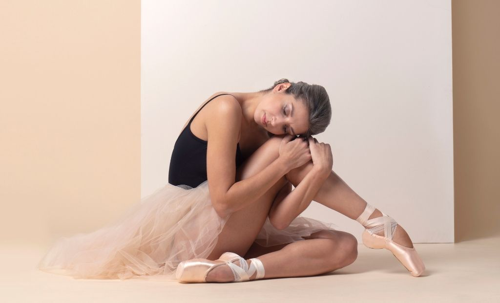 Ballet dancer Sasha Mukhamedov in the studio wearing BLOCH leotard, tutu and Pointe Shoes