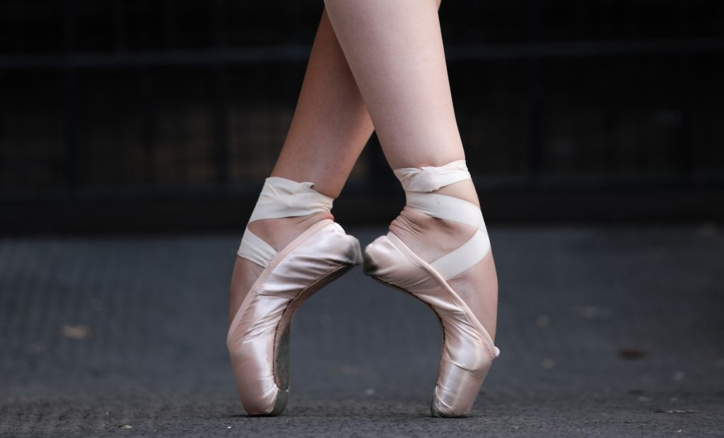 Two young ballet dancers dancing en pointe wearing BLOCH pointe shoes