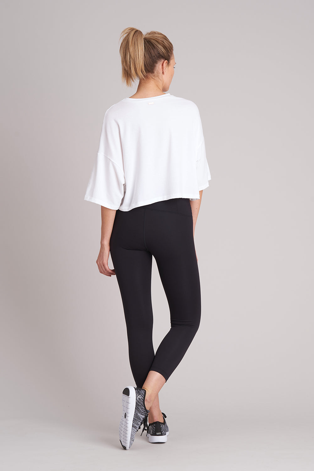 Zise Emmy Loose Crop T-Shirt