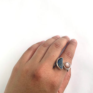 Sterling silver split ring with handcut lapis and peach moonstone by knucklekiss