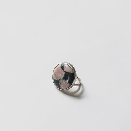 Black and pink rhodonite chunky stone cocktail ring by Knucklekiss