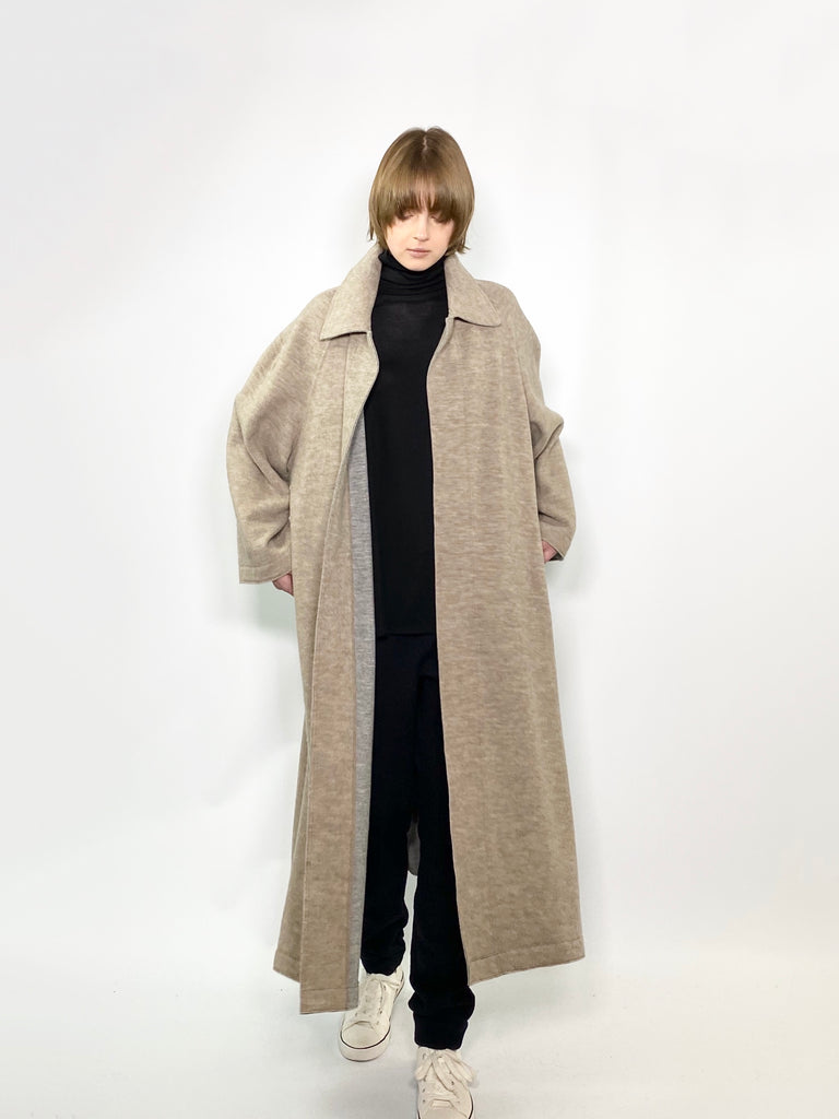 RAGLAN COAT / FEATHER KARL BEAVER - C3 (4694584393807)