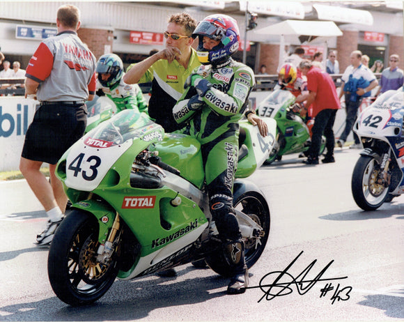 Chris Walker - World Superbikes - 16 x 12 Autographed Print