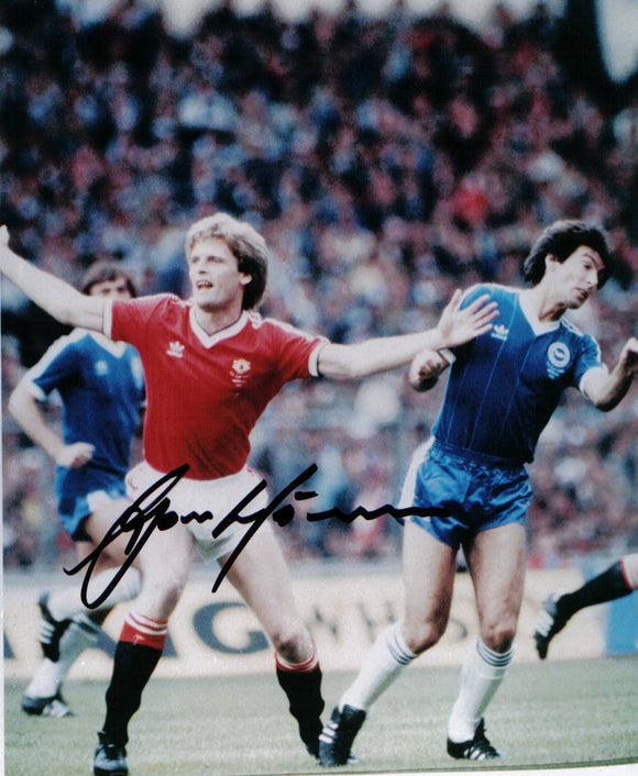 Gordon McQueen - Manchester United - 7 x 5 Autographed Picture