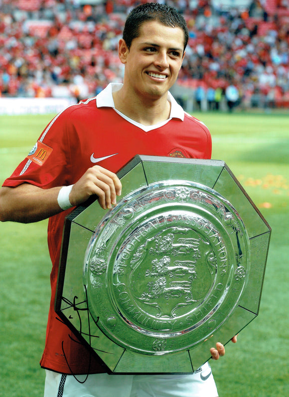 Javier Hernandez - Manchester United - Charity Shield - 16 x 12 Autographed Picture