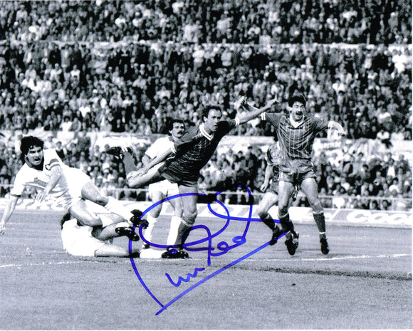 Phil Neal - Liverpool F.C. - 10 x 8 Autographed Picture