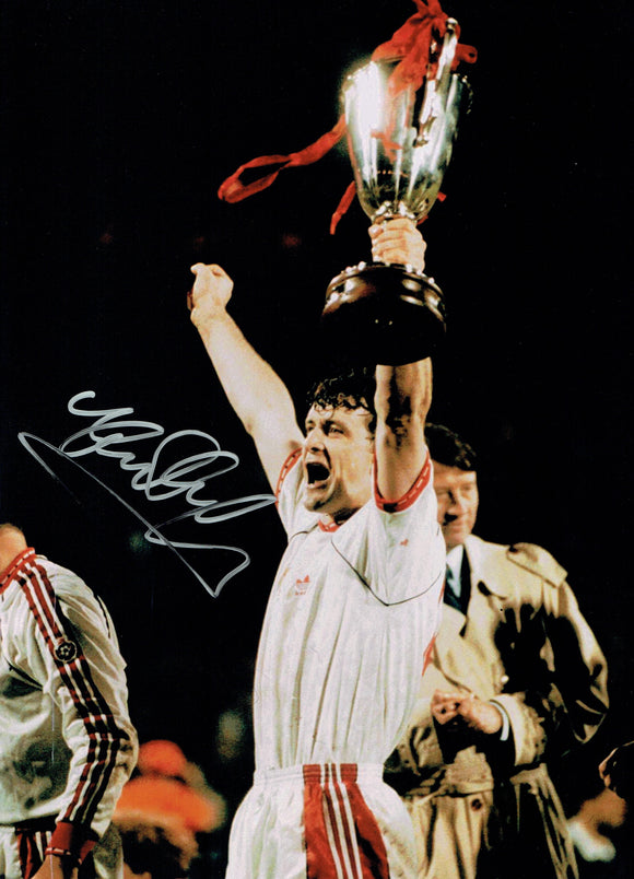 Mark Hughes - Manchester United - 16 x 12 Autographed Picture