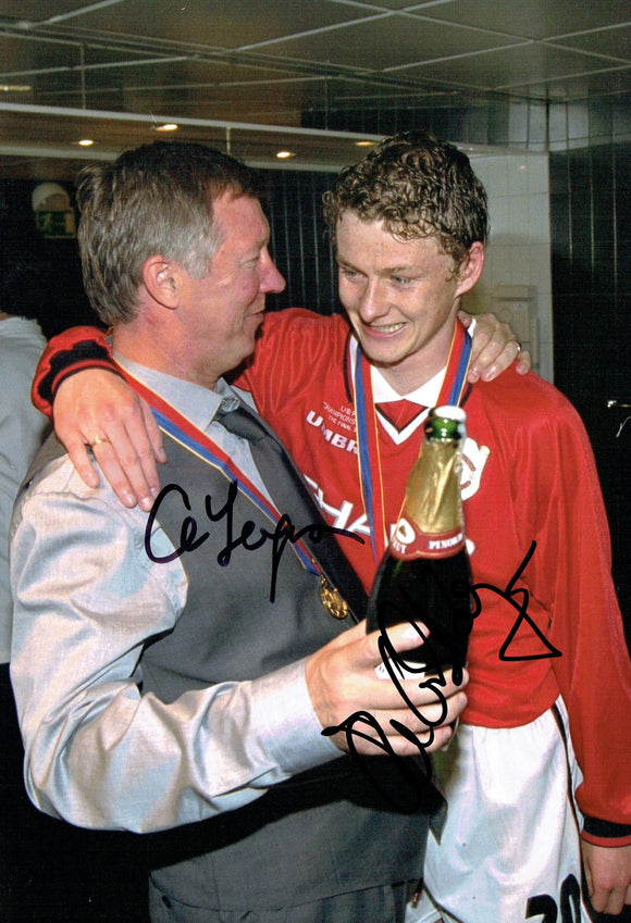 Sir Alex Ferguson & Ole Gunnar Solskjaer - Manchester United - 12 x 8 Autographed Picture