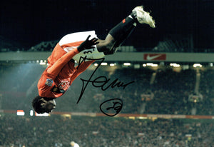 Bebe - Manchester United - 12 x 8 Autographed Picture