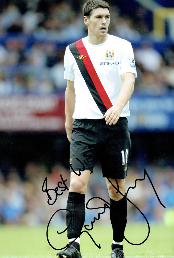 Gareth Barry - Manchester City - 12 x 8 Autographed Picture